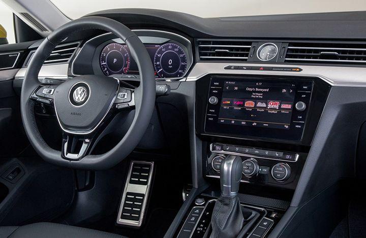 VW Arteon Usa >> 2019 Volkswagen Arteon Vs 2019 Toyota Avalon
